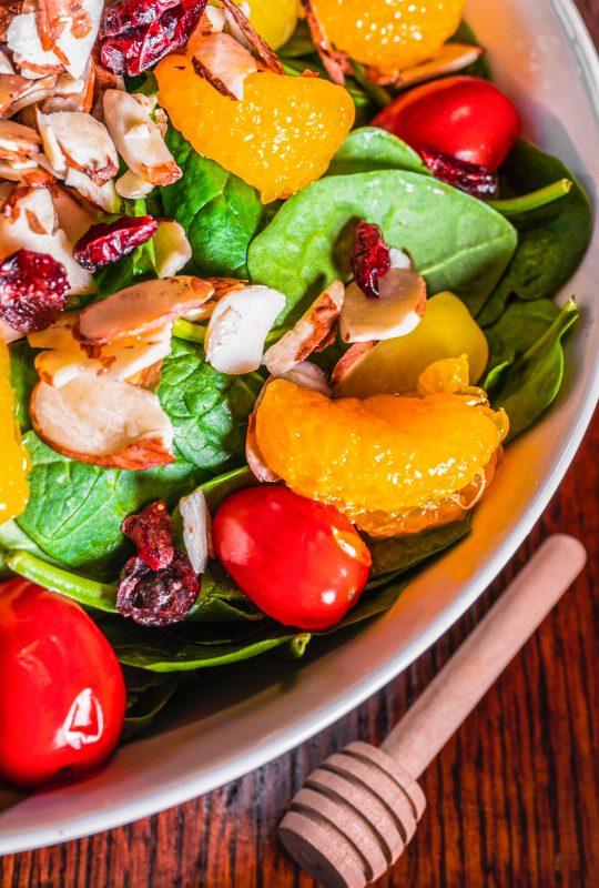 Mediteranska prehrana, kjer prevladujeta sadje in zelenjava preprečuje tudi sindrom karpalnega kanala.